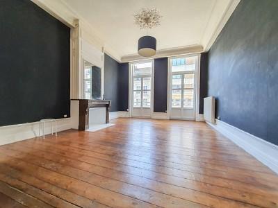 APPARTEMENT T3 A LOUER - LILLE CENTRE - 115 m2 - 1350 € charges comprises par mois